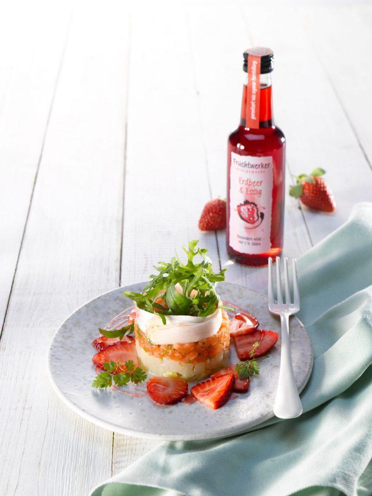 Fruchtwerker Erdbeer Essig Tisch