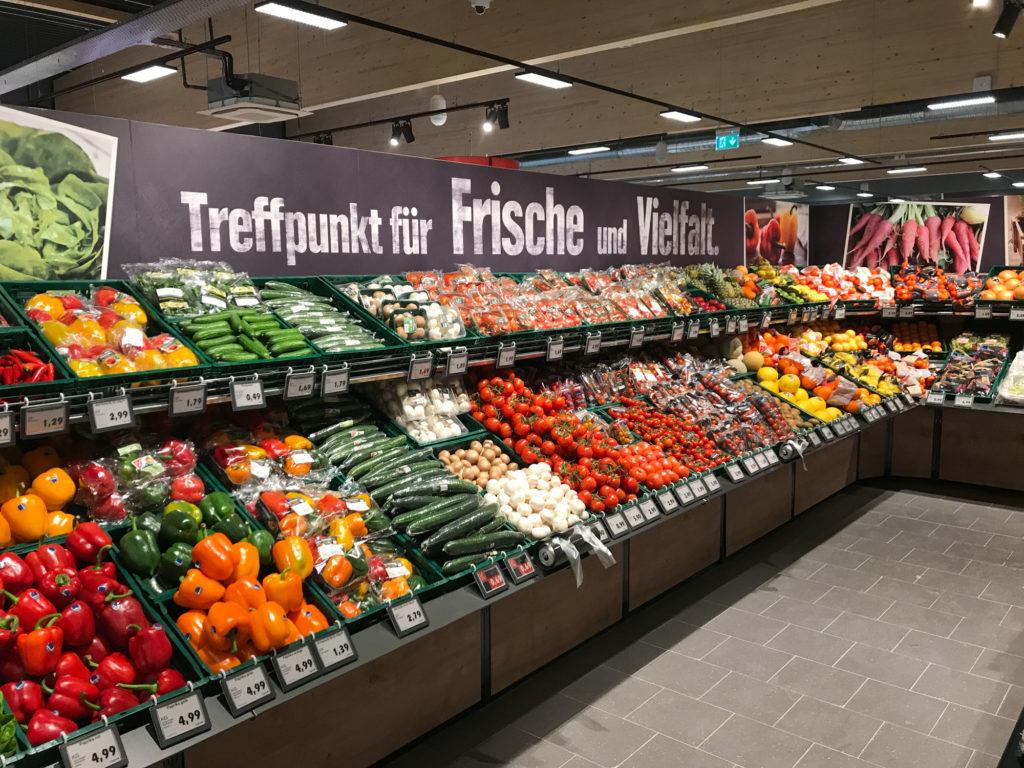 EDEKA Jens Obst und Gemüseabteilung Niendorf an der Ostsee
